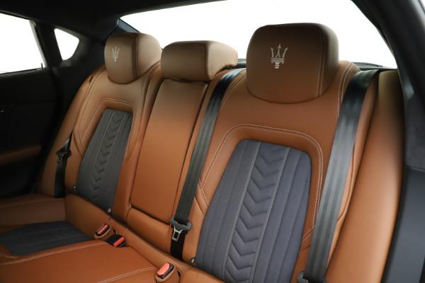 Used 2017 Maserati Quattroporte S Q4 GranLusso for sale Sold at Alfa Romeo of Westport in Westport CT 06880 18