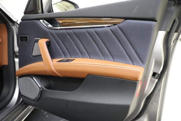 Used 2017 Maserati Quattroporte S Q4 GranLusso for sale Sold at Alfa Romeo of Westport in Westport CT 06880 25