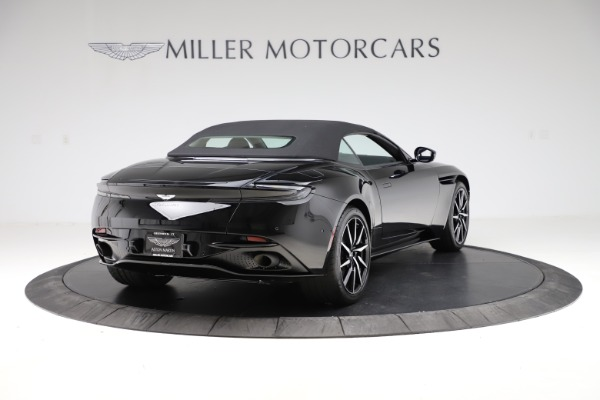 New 2021 Aston Martin DB11 Volante Convertible for sale $254,416 at Alfa Romeo of Westport in Westport CT 06880 27