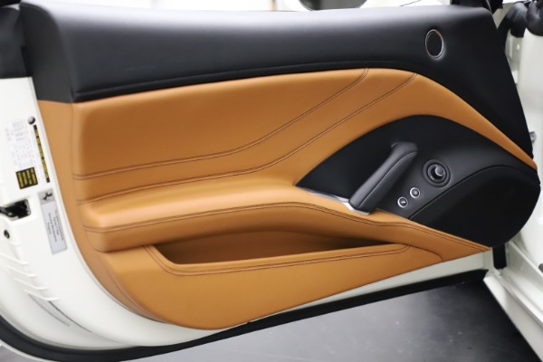 Used 2018 Ferrari California T for sale $169,900 at Alfa Romeo of Westport in Westport CT 06880 28