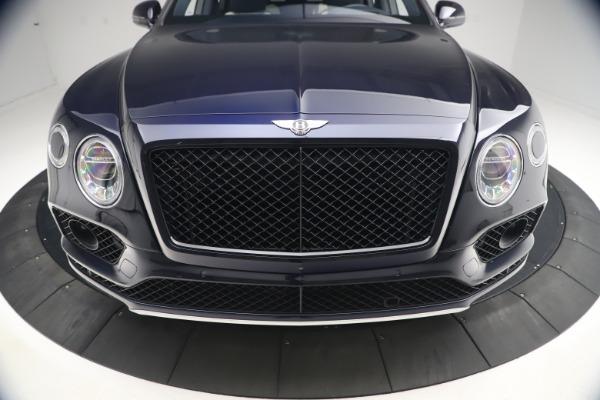 Used 2018 Bentley Bentayga W12 Signature Edition for sale $149,900 at Alfa Romeo of Westport in Westport CT 06880 13