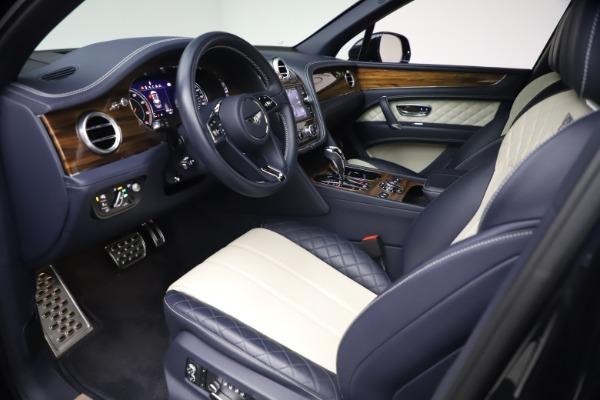 Used 2018 Bentley Bentayga W12 Signature Edition for sale $149,900 at Alfa Romeo of Westport in Westport CT 06880 17