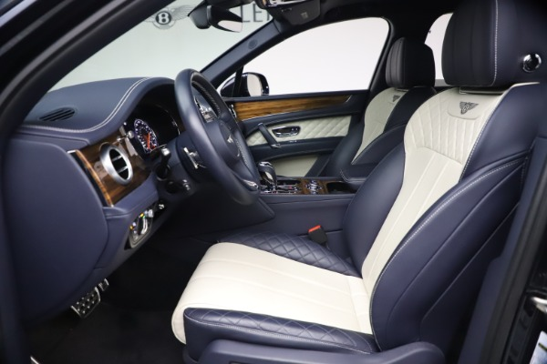 Used 2018 Bentley Bentayga W12 Signature Edition for sale $149,900 at Alfa Romeo of Westport in Westport CT 06880 18