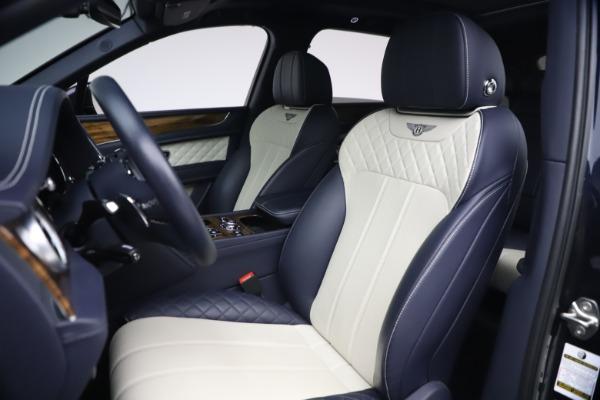 Used 2018 Bentley Bentayga W12 Signature Edition for sale $149,900 at Alfa Romeo of Westport in Westport CT 06880 19