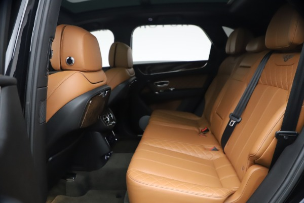 Used 2017 Bentley Bentayga W12 for sale $126,900 at Alfa Romeo of Westport in Westport CT 06880 23