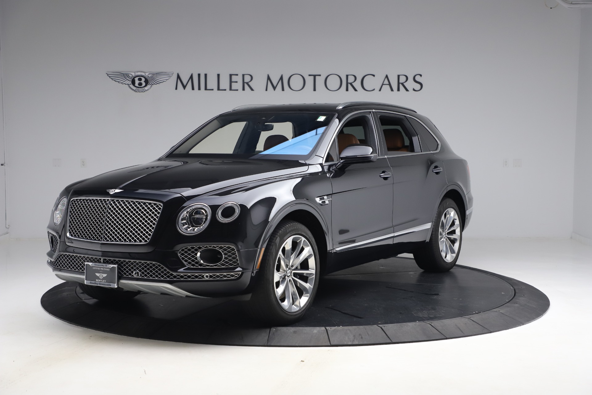Used 2017 Bentley Bentayga W12 for sale $126,900 at Alfa Romeo of Westport in Westport CT 06880 1