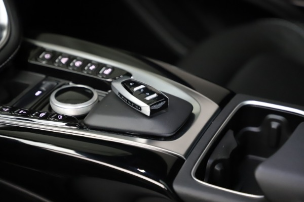 New 2021 Aston Martin DBX for sale $201,586 at Alfa Romeo of Westport in Westport CT 06880 25