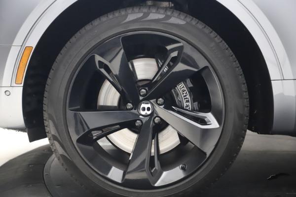 Used 2018 Bentley Bentayga W12 Signature for sale $154,900 at Alfa Romeo of Westport in Westport CT 06880 16