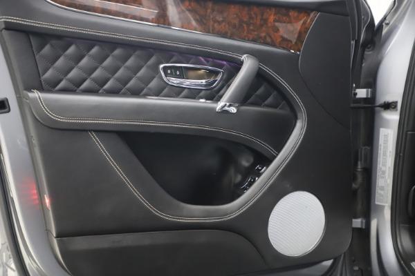 Used 2018 Bentley Bentayga W12 Signature for sale $154,900 at Alfa Romeo of Westport in Westport CT 06880 17