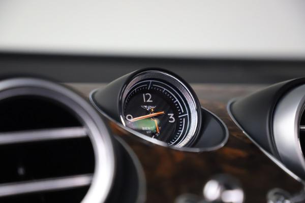 Used 2018 Bentley Bentayga W12 Signature for sale $154,900 at Alfa Romeo of Westport in Westport CT 06880 25