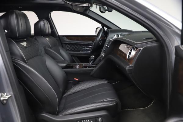 Used 2018 Bentley Bentayga W12 Signature for sale $154,900 at Alfa Romeo of Westport in Westport CT 06880 27