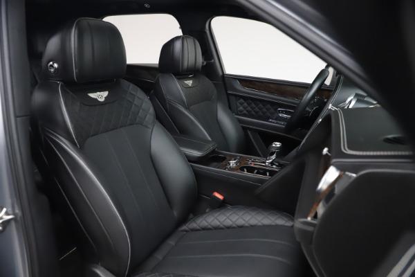 Used 2018 Bentley Bentayga W12 Signature for sale $154,900 at Alfa Romeo of Westport in Westport CT 06880 28