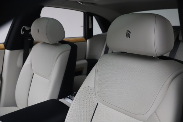 Used 2018 Rolls-Royce Ghost for sale $249,900 at Alfa Romeo of Westport in Westport CT 06880 14