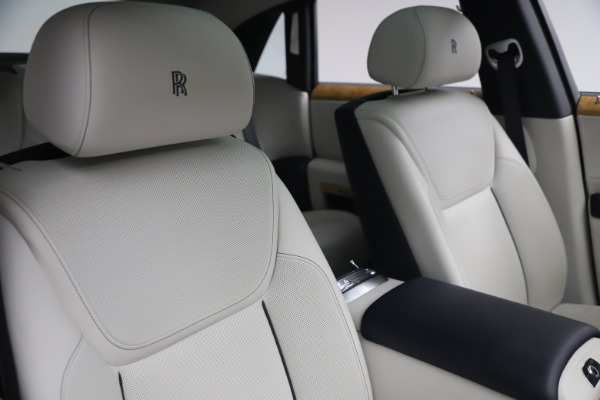 Used 2018 Rolls-Royce Ghost for sale $249,900 at Alfa Romeo of Westport in Westport CT 06880 15