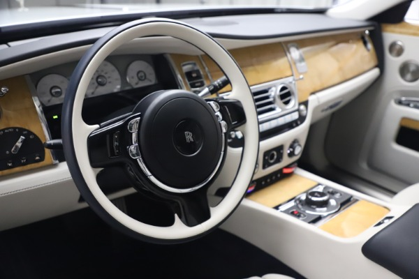 Used 2018 Rolls-Royce Ghost for sale $249,900 at Alfa Romeo of Westport in Westport CT 06880 16