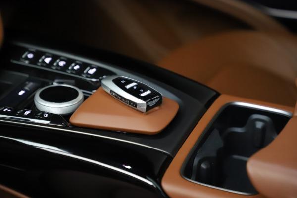 New 2021 Aston Martin DBX for sale $226,136 at Alfa Romeo of Westport in Westport CT 06880 18