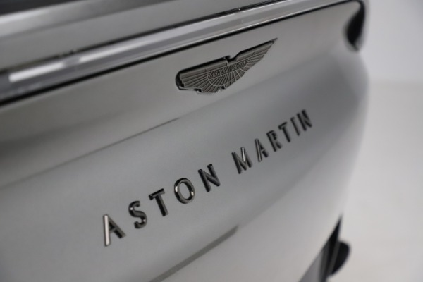 New 2021 Aston Martin DBX for sale $226,136 at Alfa Romeo of Westport in Westport CT 06880 22