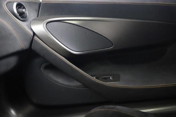 Used 2019 McLaren 600LT Coupe for sale $229,900 at Alfa Romeo of Westport in Westport CT 06880 25