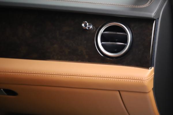 Used 2018 Bentley Bentayga W12 for sale $156,900 at Alfa Romeo of Westport in Westport CT 06880 27