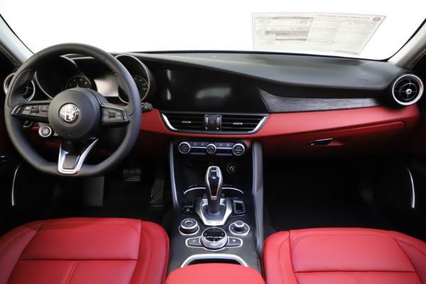 New 2021 Alfa Romeo Giulia Q4 for sale $48,035 at Alfa Romeo of Westport in Westport CT 06880 28
