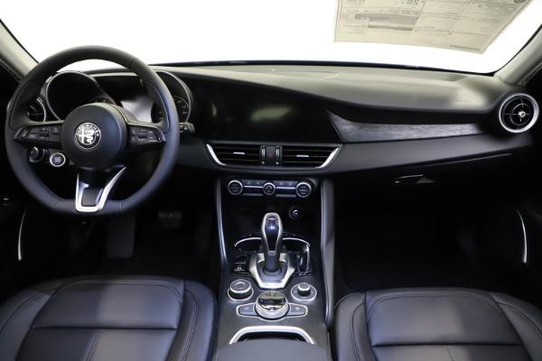New 2021 Alfa Romeo Giulia Q4 for sale $46,800 at Alfa Romeo of Westport in Westport CT 06880 16