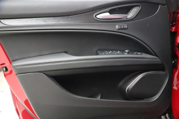 New 2021 Alfa Romeo Stelvio Q4 for sale $47,735 at Alfa Romeo of Westport in Westport CT 06880 17