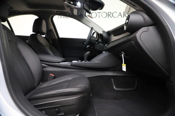 New 2021 Alfa Romeo Giulia Q4 for sale $46,490 at Alfa Romeo of Westport in Westport CT 06880 21