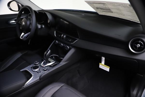 New 2021 Alfa Romeo Giulia Q4 for sale $46,490 at Alfa Romeo of Westport in Westport CT 06880 22