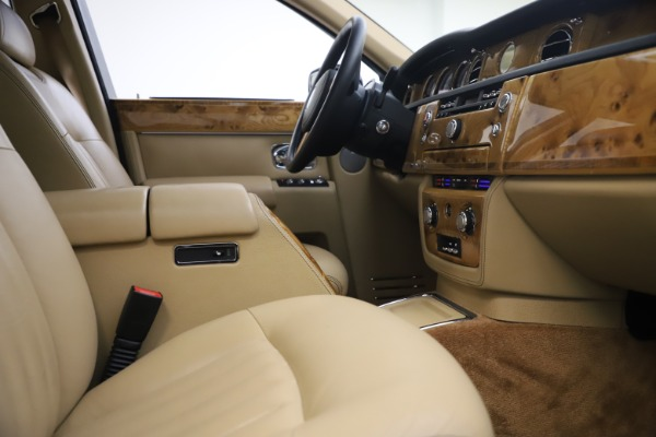 Used 2006 Rolls-Royce Phantom for sale $109,900 at Alfa Romeo of Westport in Westport CT 06880 24