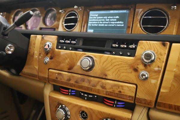 Used 2006 Rolls-Royce Phantom for sale $109,900 at Alfa Romeo of Westport in Westport CT 06880 25