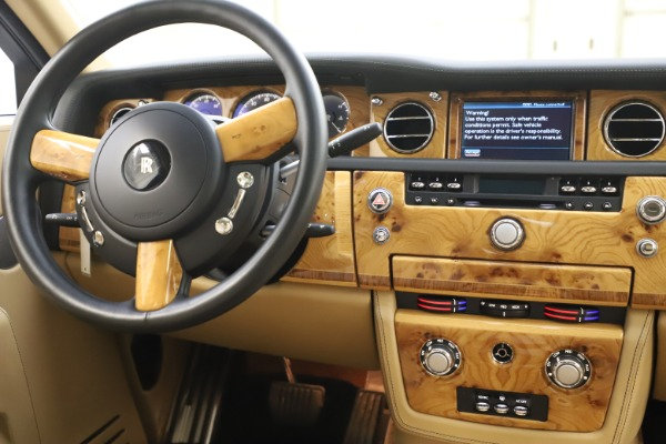 Used 2006 Rolls-Royce Phantom for sale $109,900 at Alfa Romeo of Westport in Westport CT 06880 27