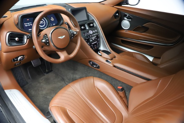 Used 2017 Aston Martin DB11 V12 Coupe for sale $134,900 at Alfa Romeo of Westport in Westport CT 06880 13