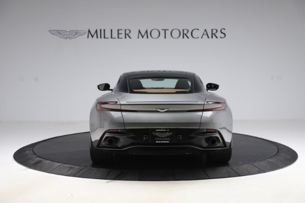 Used 2017 Aston Martin DB11 V12 Coupe for sale $134,900 at Alfa Romeo of Westport in Westport CT 06880 5