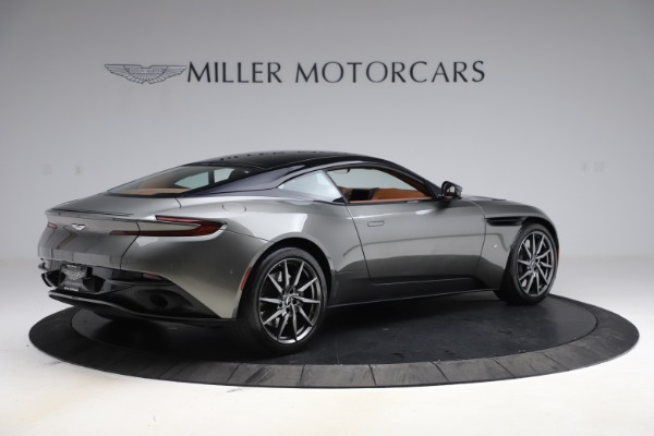 Used 2017 Aston Martin DB11 V12 Coupe for sale $134,900 at Alfa Romeo of Westport in Westport CT 06880 7