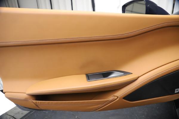 Used 2011 Ferrari 458 Italia for sale $179,900 at Alfa Romeo of Westport in Westport CT 06880 16