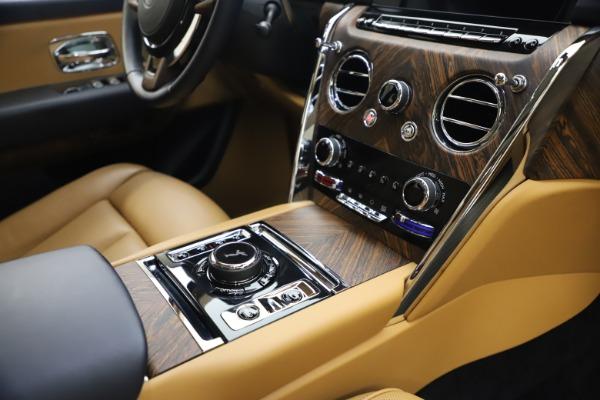 Used 2019 Rolls-Royce Cullinan for sale Sold at Alfa Romeo of Westport in Westport CT 06880 24
