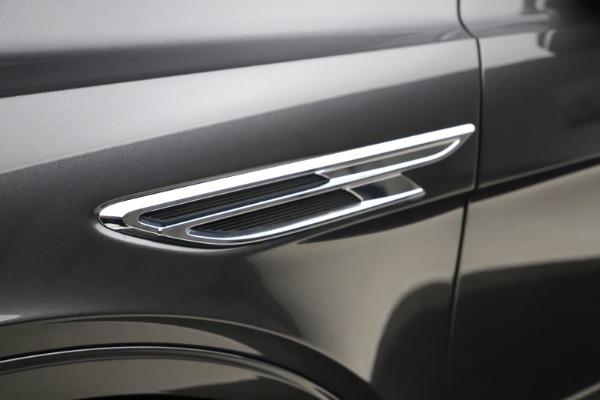 New 2021 Bentley Bentayga V8 for sale $213,720 at Alfa Romeo of Westport in Westport CT 06880 16