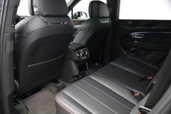 New 2021 Bentley Bentayga V8 for sale $213,720 at Alfa Romeo of Westport in Westport CT 06880 23