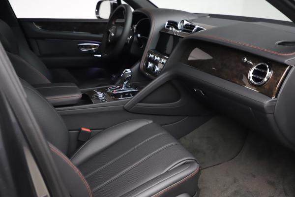 New 2021 Bentley Bentayga V8 for sale $213,720 at Alfa Romeo of Westport in Westport CT 06880 27