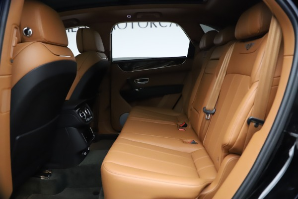 Used 2018 Bentley Bentayga Onyx Edition for sale $147,900 at Alfa Romeo of Westport in Westport CT 06880 17