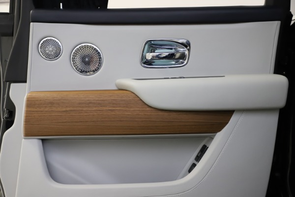 Used 2019 Rolls-Royce Cullinan for sale $349,900 at Alfa Romeo of Westport in Westport CT 06880 21