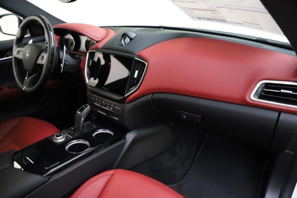 New 2021 Maserati Ghibli S Q4 GranLusso for sale $95,835 at Alfa Romeo of Westport in Westport CT 06880 24