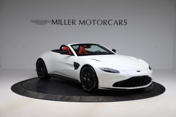 New 2021 Aston Martin Vantage Roadster Convertible for sale $189,186 at Alfa Romeo of Westport in Westport CT 06880 10