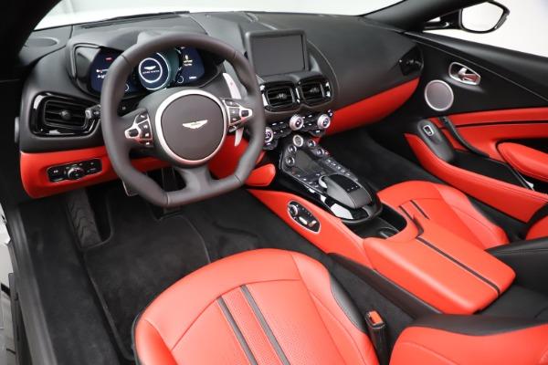 New 2021 Aston Martin Vantage Roadster Convertible for sale $189,186 at Alfa Romeo of Westport in Westport CT 06880 13