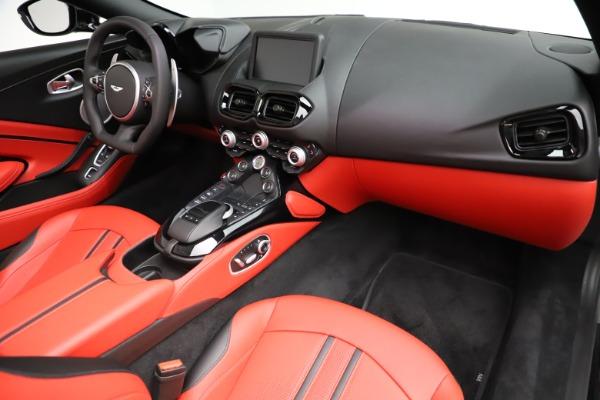 New 2021 Aston Martin Vantage Roadster Convertible for sale $189,186 at Alfa Romeo of Westport in Westport CT 06880 18