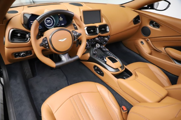 New 2021 Aston Martin Vantage Roadster Convertible for sale $205,686 at Alfa Romeo of Westport in Westport CT 06880 13