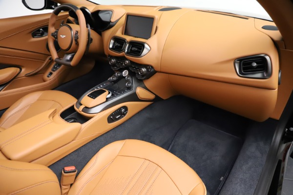 New 2021 Aston Martin Vantage Roadster Convertible for sale $205,686 at Alfa Romeo of Westport in Westport CT 06880 19