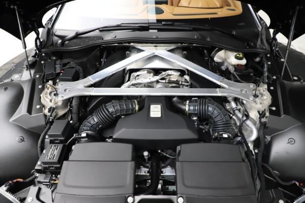 New 2021 Aston Martin Vantage Roadster Convertible for sale $205,686 at Alfa Romeo of Westport in Westport CT 06880 28