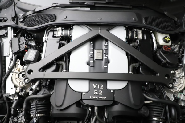 New 2020 Aston Martin DB11 V12 AMR for sale $263,561 at Alfa Romeo of Westport in Westport CT 06880 26