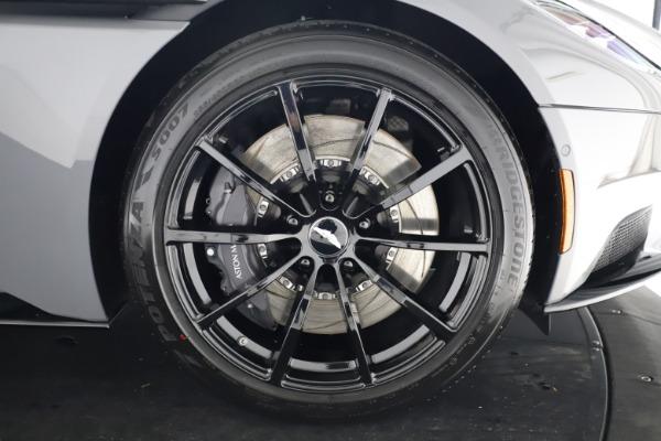 New 2020 Aston Martin DB11 V12 AMR for sale $263,561 at Alfa Romeo of Westport in Westport CT 06880 27